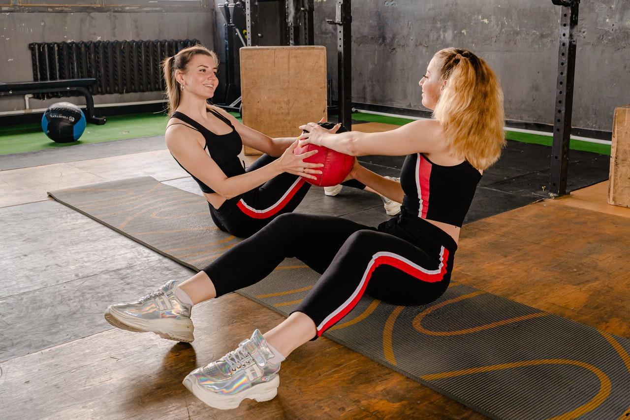 Dicas de roupas esportivas: como comprar as leggings certas para a academia (Foto de Anthony Shkraba no Pexels)